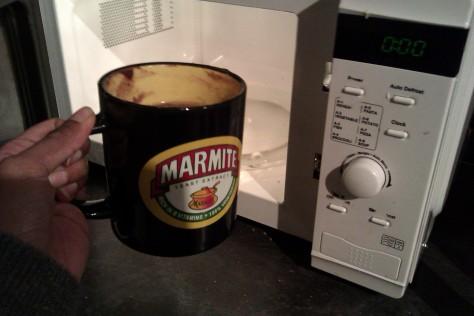 puttin mug cake in microwave
