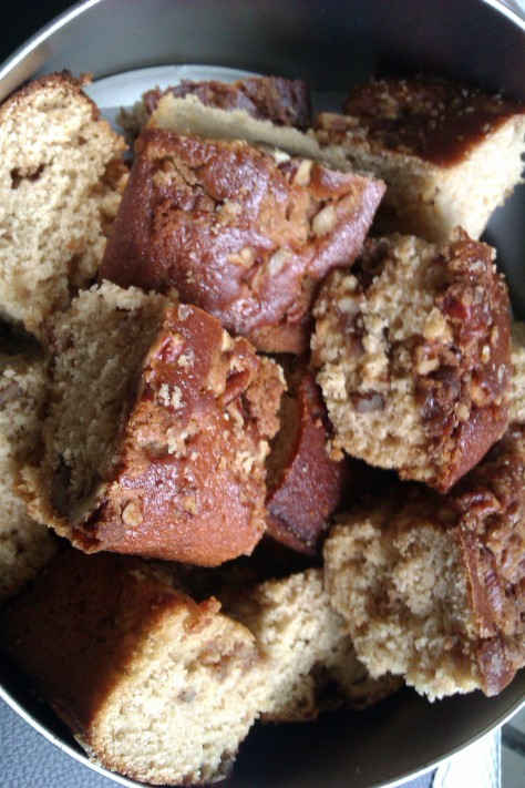 cake slices pecan coffee cake