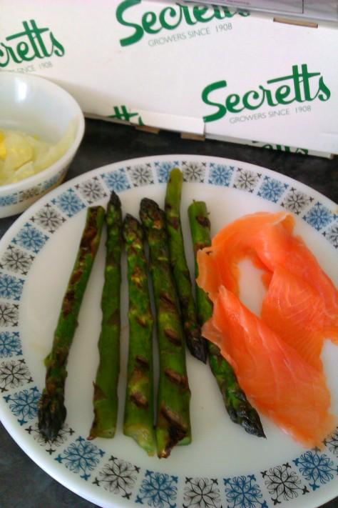chargrilled asparagus with smoked salmon