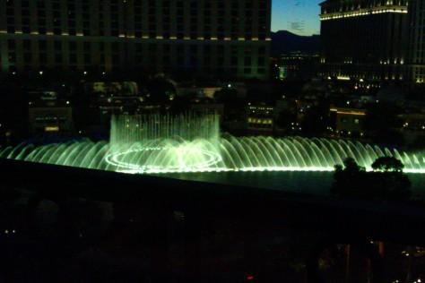 bellagio fountains from paris restaurant vegas
