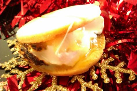 gooey lemon meringue s'more