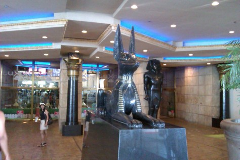 luxor egyption dogs las vegas