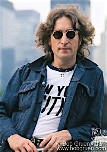 C-04_Lennon_DenimJacket1974_Gruen-filtered